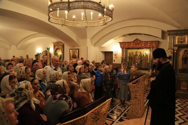 Архиепископ Горловский и Славянский Митрофан: Не только Бог для нас что-то делает, но и мы должны тоже что-то отдавать Богу