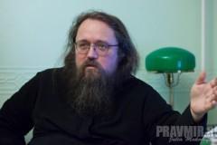 Протодиакон Андрей Кураев: Буду теснее дружить с книгами