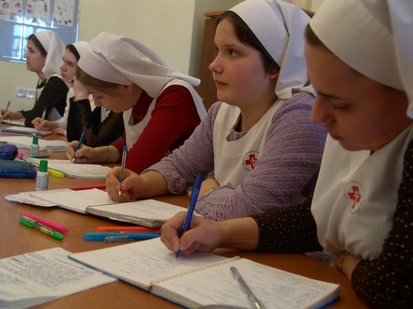 """Служба """"Милосердие"""" объявила набор на уникальные курсы по уходу за тяжелобольными"""