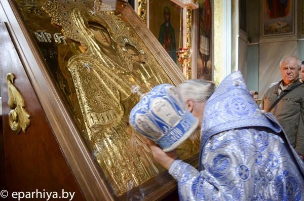 Гомельская епархия получила в дар икону, написанную на Афоне
