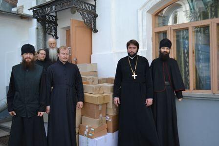 Синодальный отдел по благотворительности Украинской Церкви передал Святогорской Лавре лекарств на 200 тысяч гривен