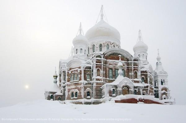 fb2ab48cd7_author_photo_Petr-Zakharov_Belogorskiy-monastyir