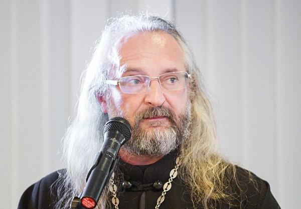 Протоиерей Вячеслав Перевезенцев: О приходе vs парламенте, приходских размолвках и любимчиках настоятеля