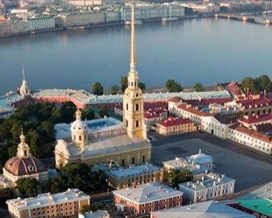 В ТОП-10 самых фотографируемых мест Петербурга вошли четыре собора и монастырь