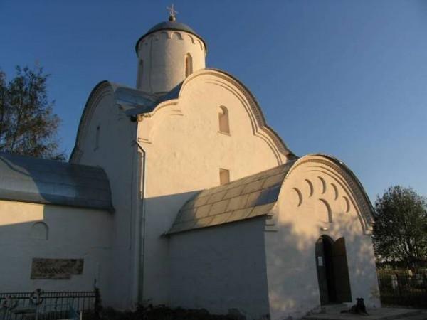 Церковь Успения на Волотовом поле