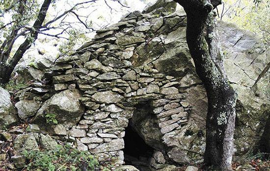 Аскетические приюты афонского монашества