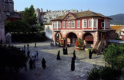 Архангельские иконописцы распишут зал в афонском монастыре