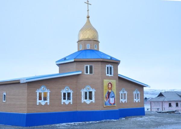 На берегу моря Лаптевых освящен православный храм