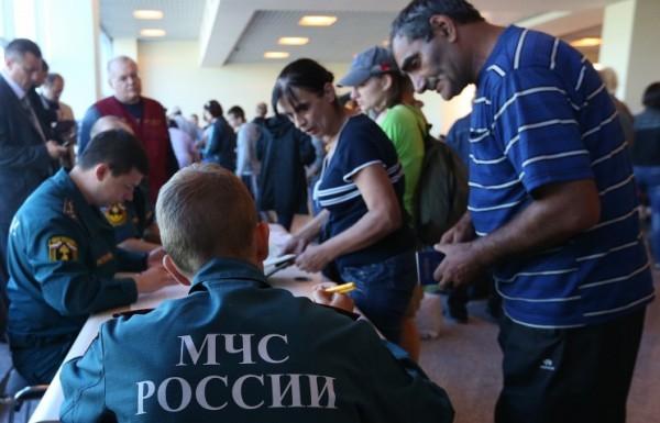 Почти 900 тысяч граждан Украины остаются в России