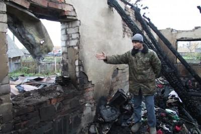 В Татарстане пожарный спас из горящего дома двух односельчан