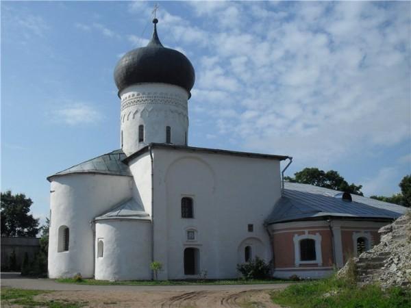Собор Рождества Богородицы Снетогорского монастыря. Построен в 1311 году