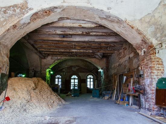 В Волоколамске храм XVII века превратили в столярный цех