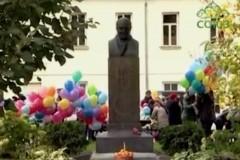 У памятника доктору Гаазу в Москве прошел детский праздник