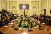 Яценюк дал указание пресекать попытки захвата храмов на Украине