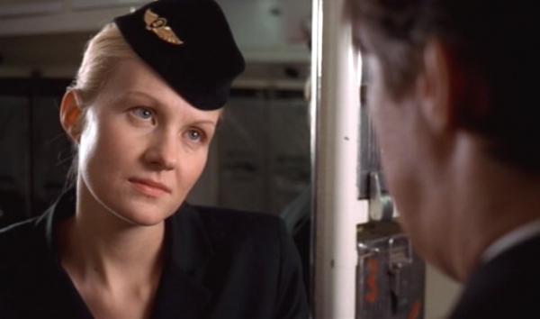 """Кадр из фильма """"Небо. Самолет. Девушка"""""""