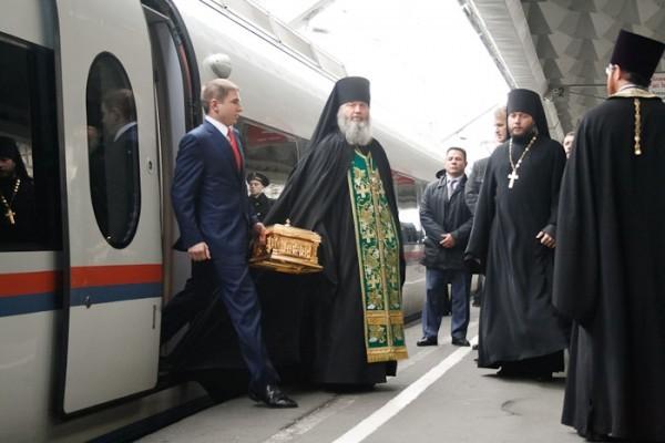 В Санкт-Петербург принесен ковчег с частицей мощей преподобного Сергия Радонежского