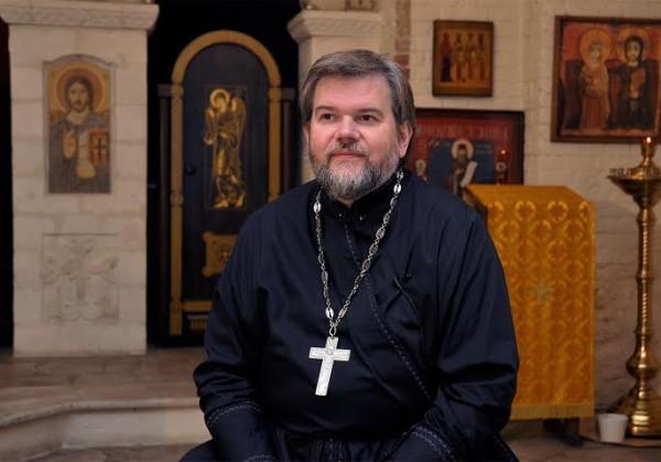 Протоиерей Олег Батов: Хочешь, скажу, где взять Евангелие? – спросил сокурсник шепотом