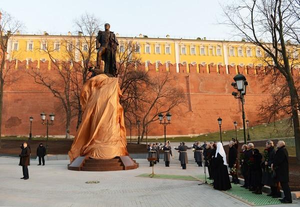 Как у стен Кремля памятник Императору открывали (+ФОТО)