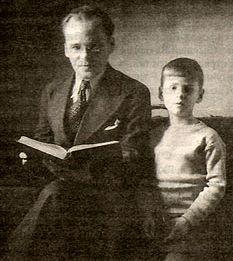В.А. Никифоров-Волгин с учеником Алешей, будущим Святейшим Патриархом Алексием II