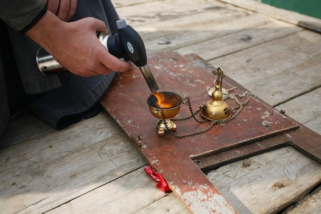 Как разжечь угли для кальяна в домашних  472