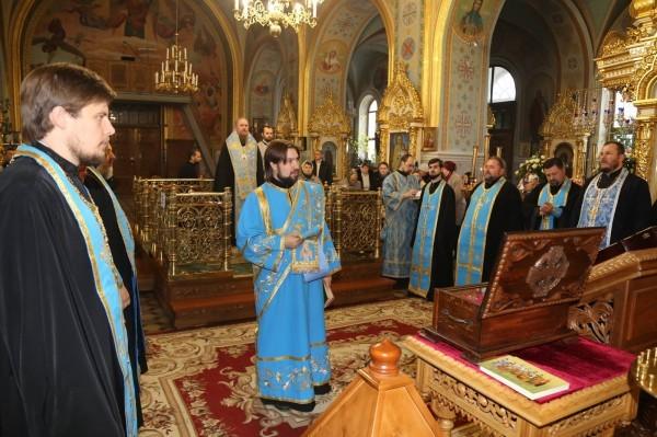 На Украине начался крестный ход за мир в зоне боевых действий