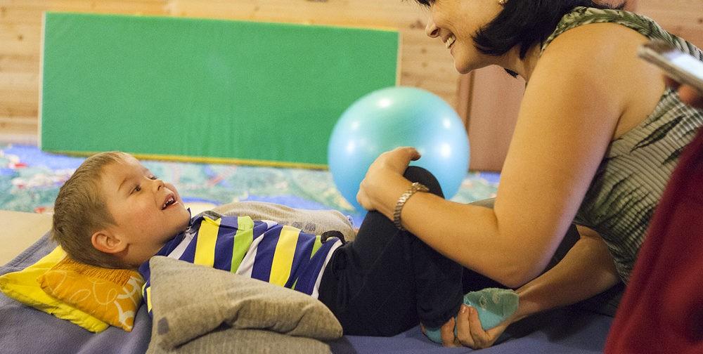 Лечебная физкультура: почему дети с ДЦП плачут