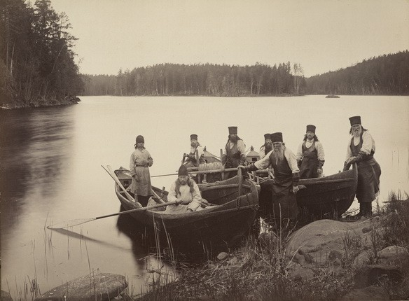 Валаамские монахи рыбачат