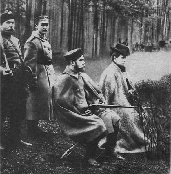 Николай II и Александра Фёдоровна на охоте. 1900 год.(1)