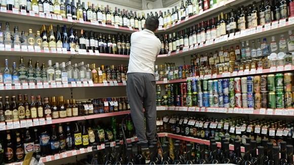 Депутаты предлагают убрать алкоголь с витрин магазинов
