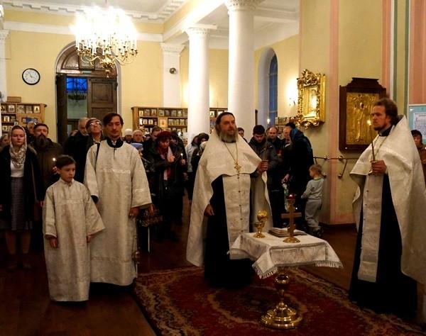 В день рождения Достоевского панихида по писателю отслужена во Владимирском соборе Санкт-Петербурга