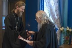 Председатель Синодального отдела по социальному служению вручил сертификаты священникам, прошедшим курс «Организация церковной помощи в чрезвычайных ситуациях»