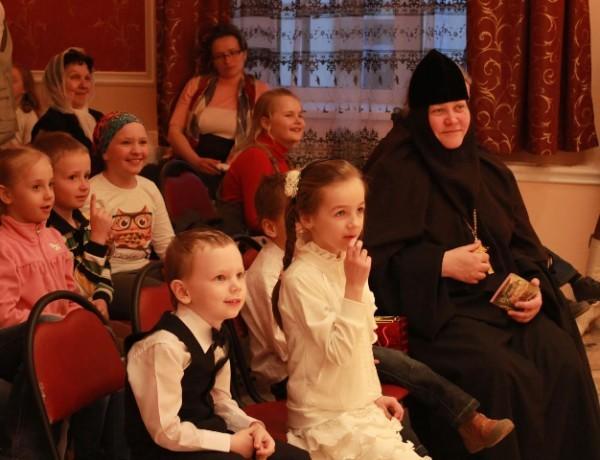 Воскресным школам Русской Церкви разрешили использовать классы школ Москвы