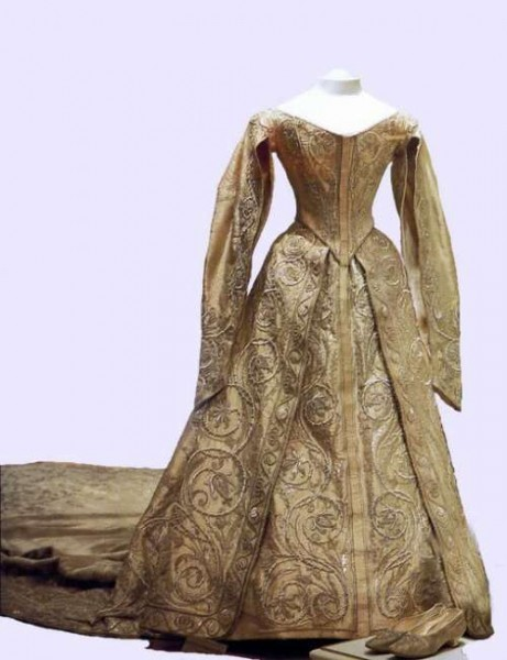 Венчальное платье Александры Федоровны