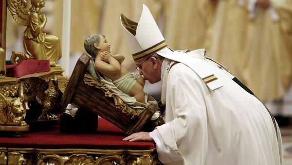 Папа Римский Франциск: В мире в это Рождество льется очень много слез