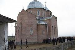 В Ровенской епархии за ночь захватили два храма Украинской Православной Церкви