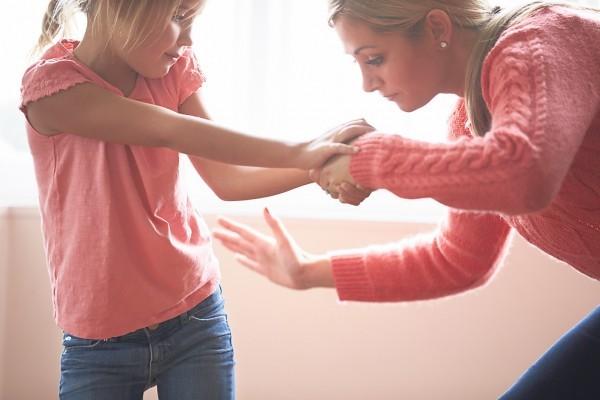 Имеют ли родители право бить ребенка