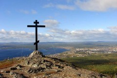 Глава правительства Республики Алтай выступил против установки православного креста на горе Белуха