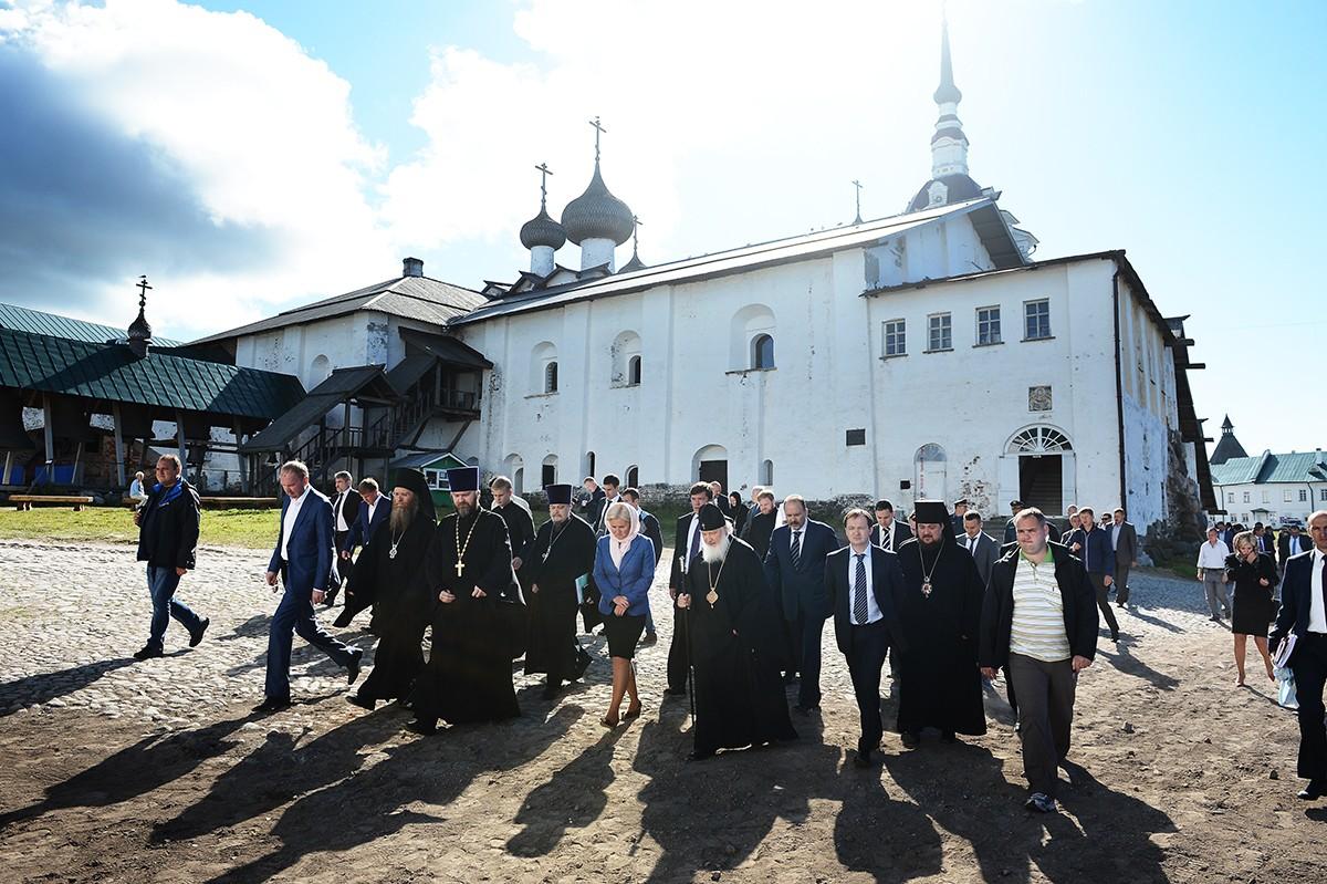 Патриарший визит на Соловки. Осмотр реставрационных работ в Соловецком монастыре