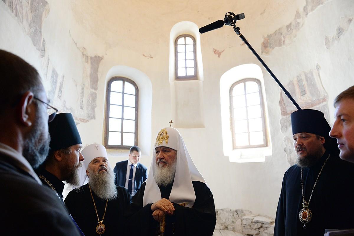 Патриарший визит в Псковскую епархию. Посещение Снетогорского монастыря