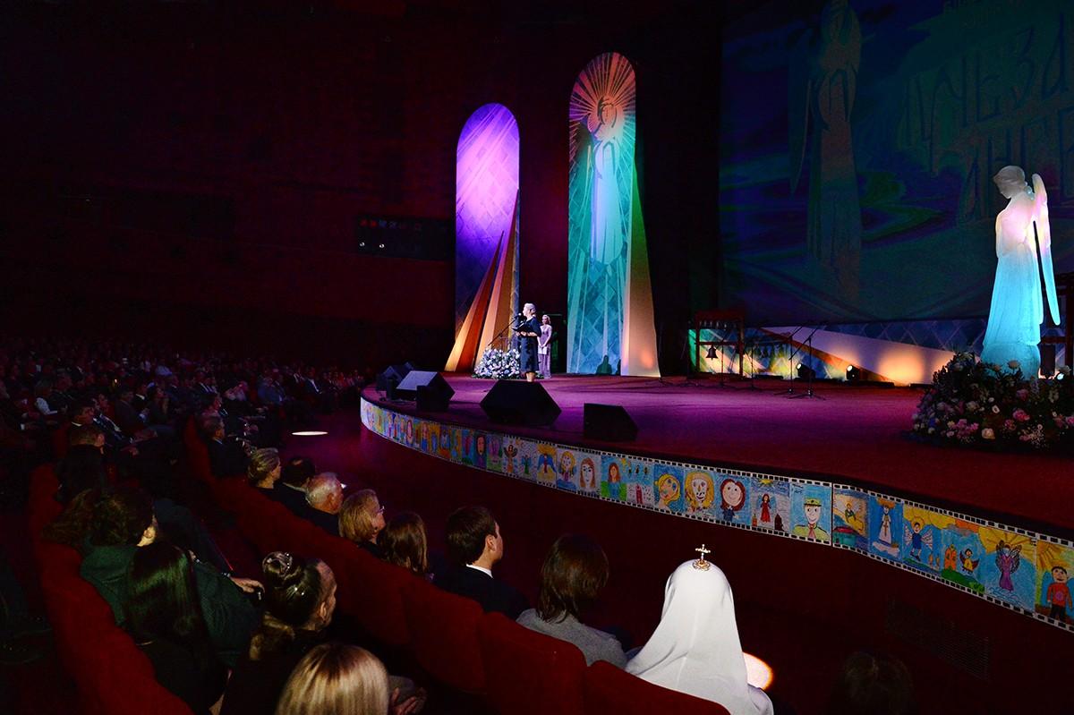 Церемония закрытия XI Международного благотворительного кинофестиваля «Лучезарный ангел»