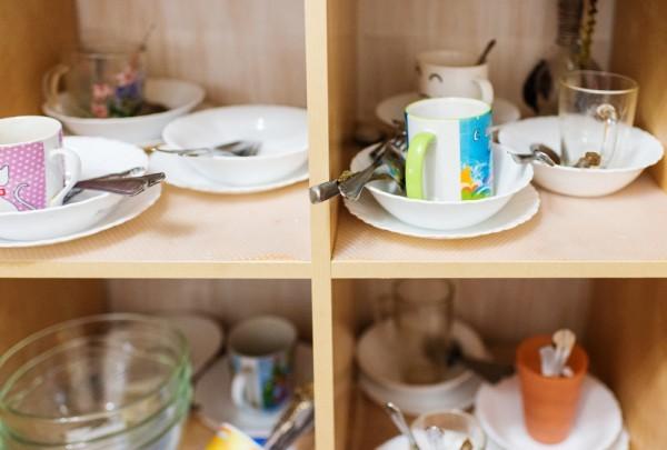 """Елена Львовна: """"Сначала нам подарили именные ложки, а потом мы поняли, что по ним удобно следить, кто не помыл посуду"""""""