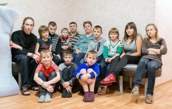 Елена Горбачёва, 2 своих детей, 14 – приемных: «Моя профессия – мать, и у меня это получается»