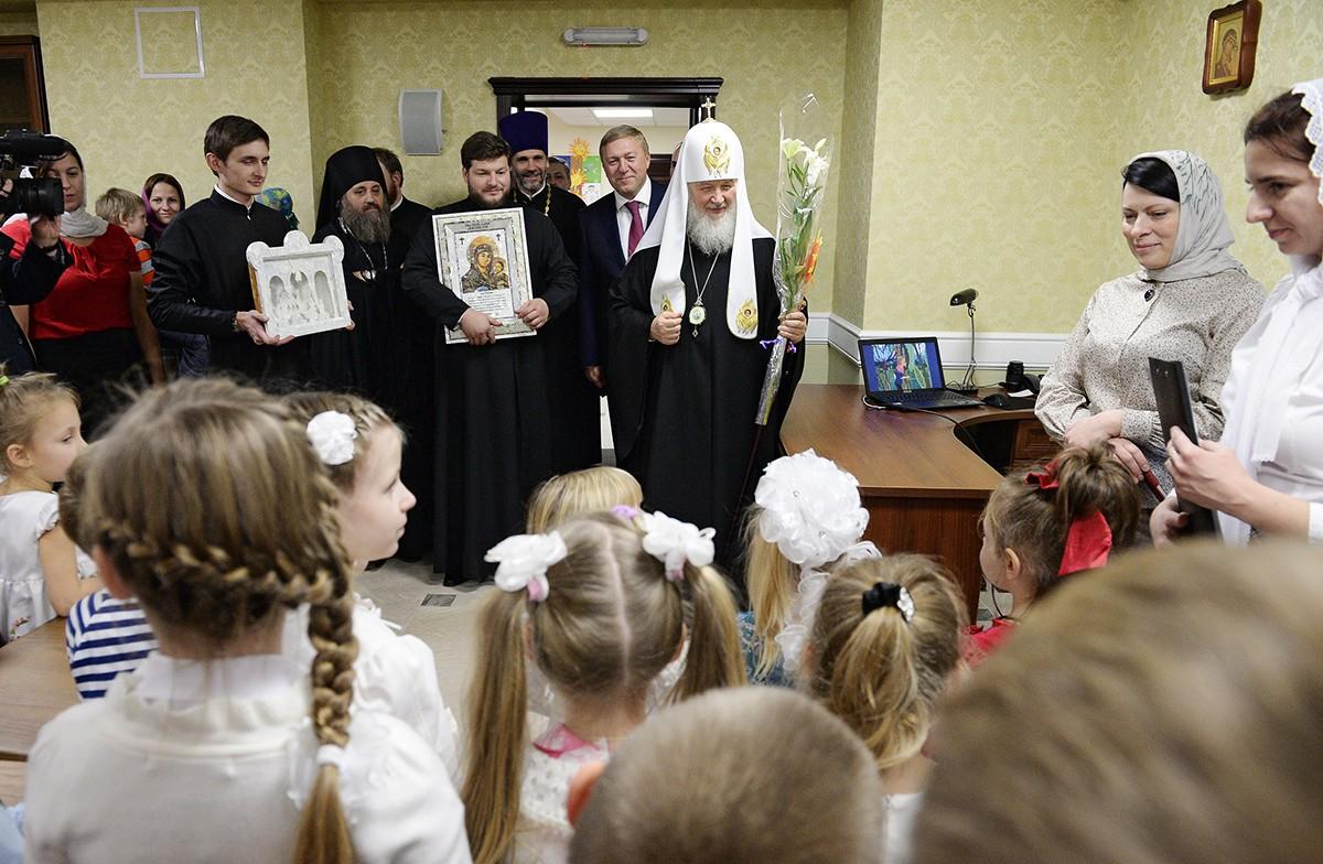 Патриарший визит в Калининградскую епархию. Посещение воскресной школы при храме св. Александра Невского в Калининграде