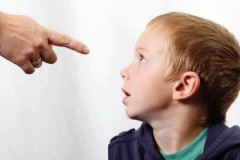 Можно ли воспитать ребенка без ремня? – Людмила Петрановская