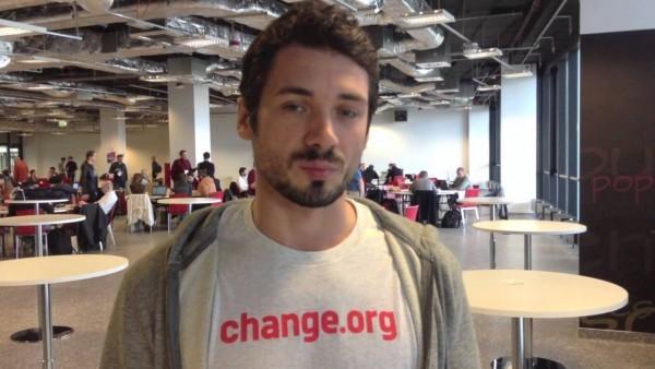 Дмитрий Савёлов, руководитель русскоязычного сегмента «Change. org»