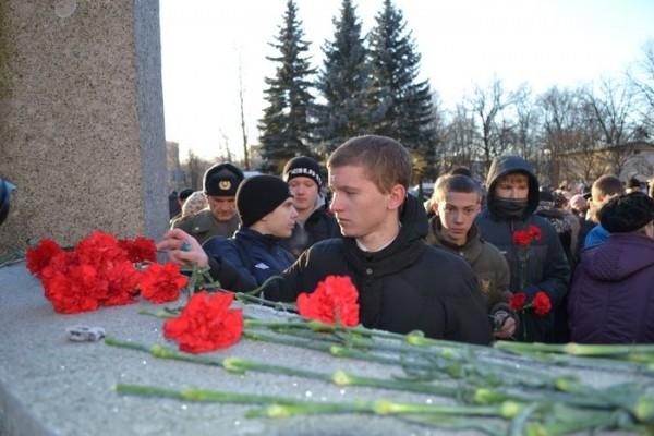 В российских регионах почтили память воинов, погибших в Чечне
