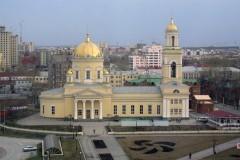 Тысячи людей пришли поклониться иконе преподобного Сергия Радонежского в Екатеринбурге