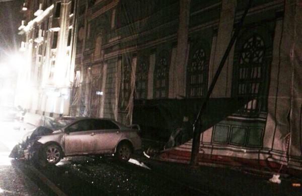 В храм в центре Москвы врезалась иномарка