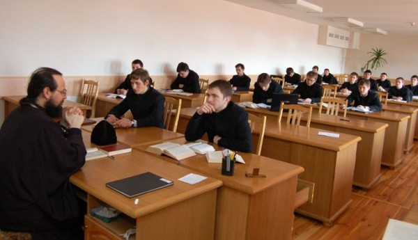 Десять образовательных организаций будут готовить церковных специалистов