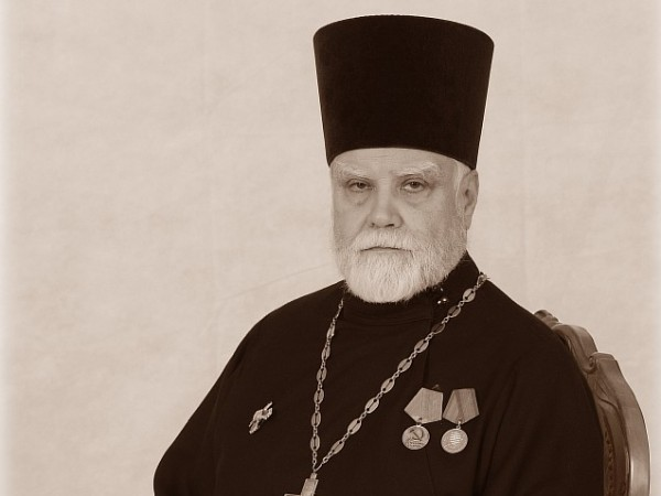 Священник Ярослав Шипов: «Когда было нечего есть, архиерей разрешал брать ружье»